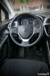 Suzuki SX4 S-Cross - środek - 02