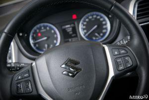 Suzuki SX4 S-Cross - środek - 05