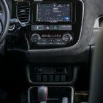 Mitsubishi Outlander - środek - 03