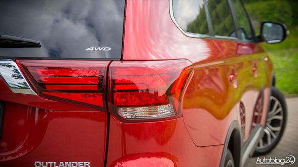 Mitsubishi Outlander - światła