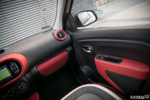 Renault Twingo - środek - 04