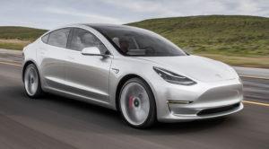 Tesla Model 3 – wnętrze ma futurystyczne, ale czy ergonomiczne? [zdjęcia]