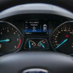 Ford Kuga - środek - 06