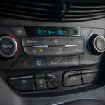 Ford Kuga - środek - 08