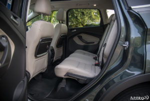 Ford Kuga - środek - 13