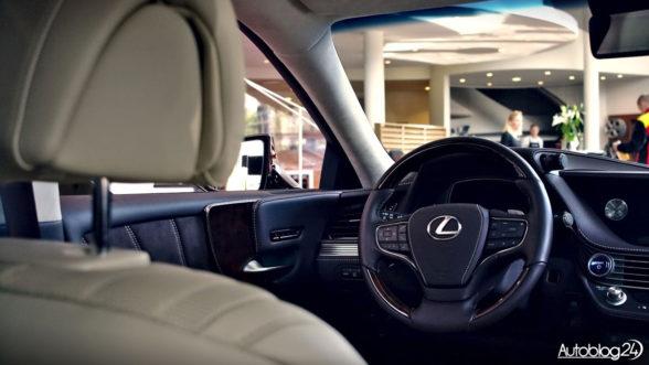 Lexus LS 2018 - wnętrze