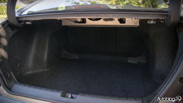 Honda Civic X sedan - bagażnik