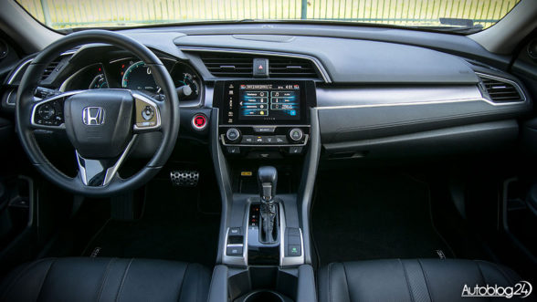 Honda Civic X - wnętrze