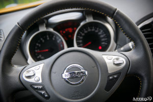 Nissan Juke - środek - 05