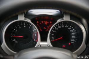 Nissan Juke - środek - 06