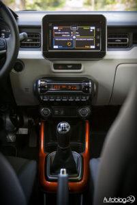 Suzuki Ignis - środek - 03