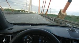 Elektroniczne ograniczenia prędkości na drogach w Polsce – nadchodzą mroczne czasy dla kierowców?