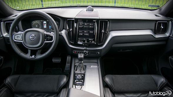Volvo XC60 2018 - wnętrze