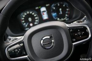 Volvo XC60 - środek - 03