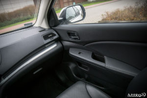 Honda CR-V - wnętrze - 04