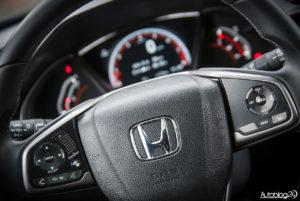 Honda Civic hatchback - wnętrze - 03