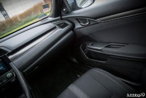 Honda Civic hatchback - wnętrze - 05