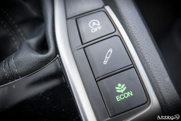 Honda Civic hatchback - wnętrze - 09