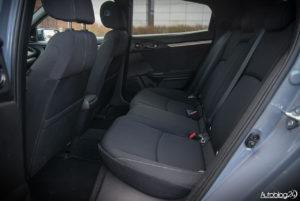 Honda Civic hatchback - wnętrze - 11