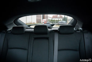 Honda Civic hatchback - wnętrze - 12
