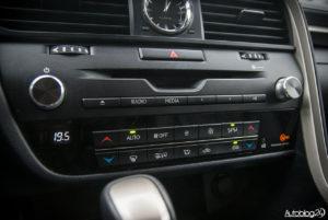 Lexus RX 200t - wnętrze - 07