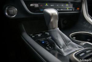 Lexus RX 200t - wnętrze - 09