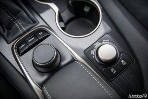 Lexus RX 200t - wnętrze - 12