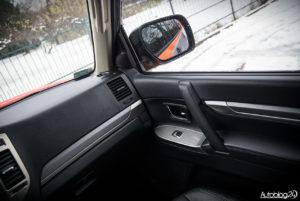 Mitsubishi Pajero - wnętrze - 04