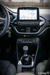Ford Fiesta - wnętrze - 03