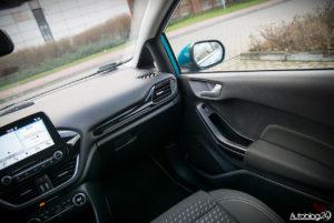 Ford Fiesta - wnętrze - 04