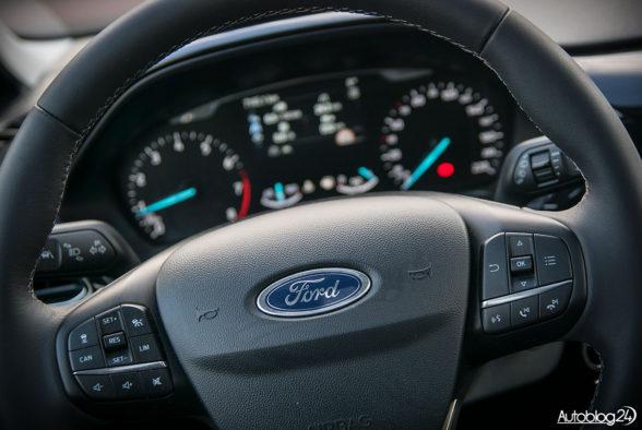 Ford Fiesta - wnętrze - 05