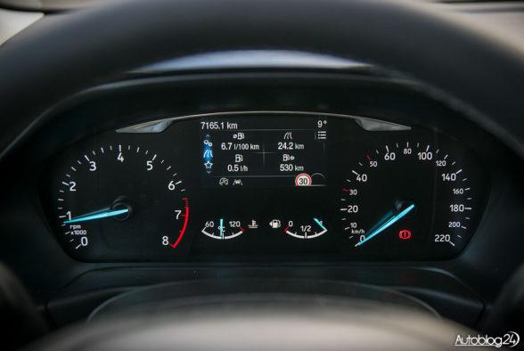 Ford Fiesta - wnętrze - 06