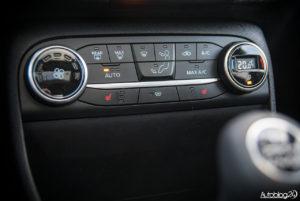 Ford Fiesta - wnętrze - 08