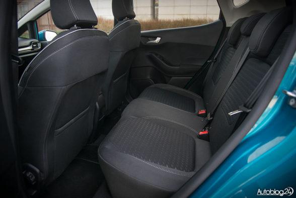 Ford Fiesta - wnętrze - 13