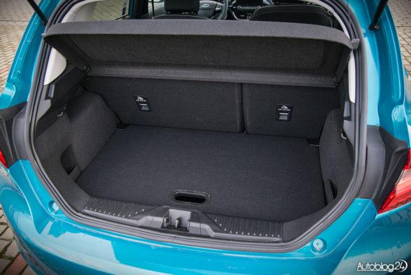 Ford Fiesta - wnętrze - 14