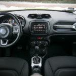 Jeep Renegade - wnętrze - 01