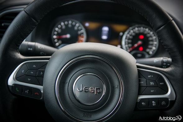 Jeep Renegade - wnętrze - 03