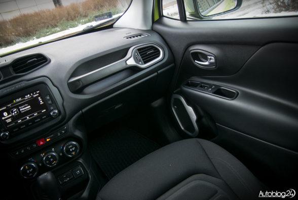 Jeep Renegade - wnętrze - 06
