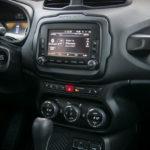 Jeep Renegade - wnętrze - 20