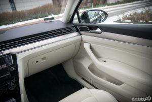 Volkswagen Passat - wnętrze - 04
