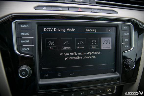 Volkswagen Passat - wnętrze - 09