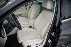 Volkswagen Passat - wnętrze - 14
