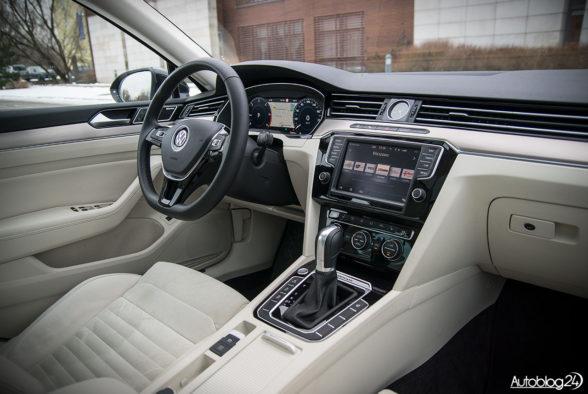 Volkswagen Passat - wnętrze - 20