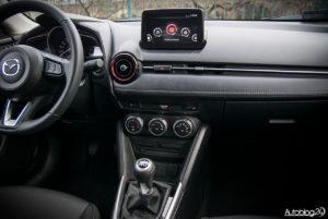 Mazda CX-3 - wnętrze - 03