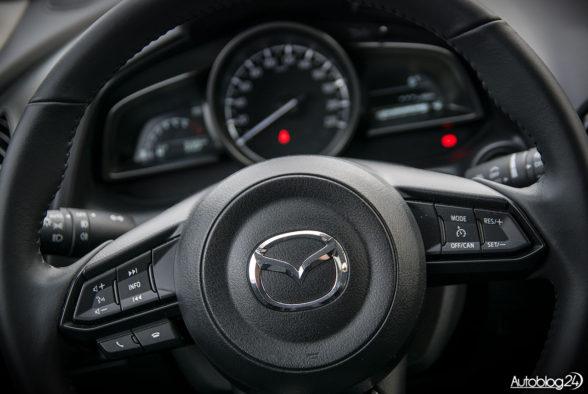 Mazda CX-3 - wnętrze - 05