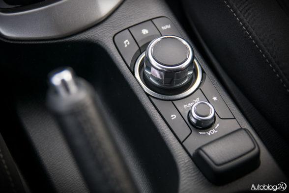 Mazda CX-3 - wnętrze - 10