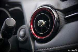 Mazda CX-3 - wnętrze - 11