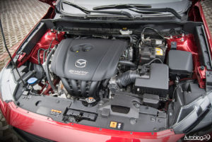 Mazda CX-3 - wnętrze - 14