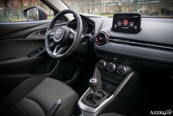 Mazda CX-3 - wnętrze - 17