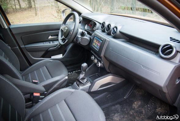 Nowa Dacia Duster - wnętrze - 01